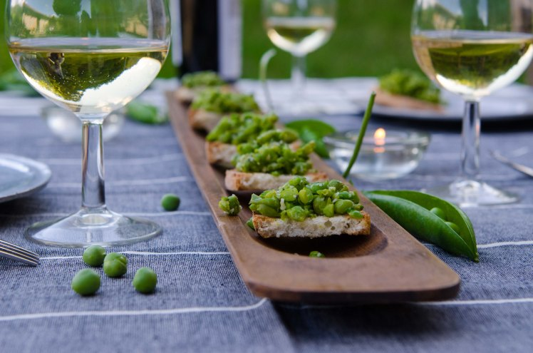 long board with pea crostini-4