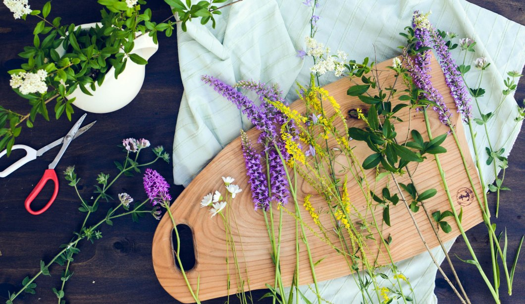 board with wild flowers-5